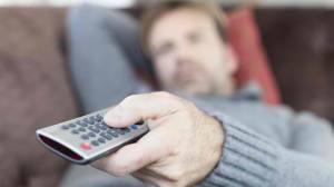 gty_watching_tv_ll_120709_wg