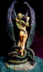 wpid-Vampires-Kiss-by-Boris-Vallejo-Enchanged-Arts-one-eighth-scale-resin-kit-sculpted-by-Steven-West-painted-by-Alex-Castro2.jpeg